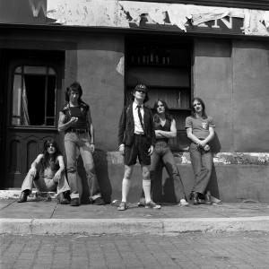 AC/DC em 1976 no Reino Unido.