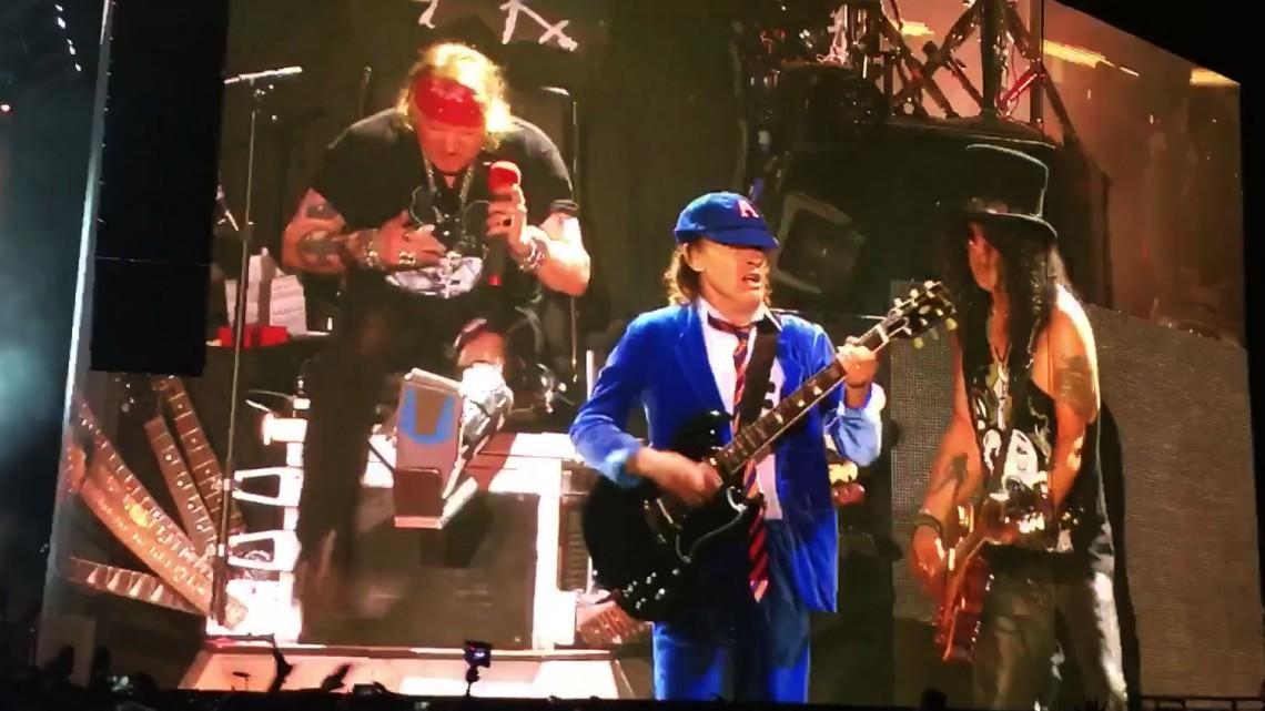 Angus Young, Axl Rose e Slash