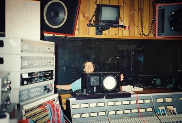 """Bastidores de gravação do álbum """"Ballbreaker"""" em 1995"""