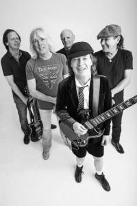 AC/DC. Formação atual com Chris Slade.
