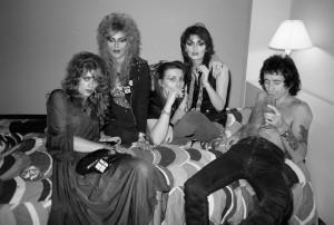 Bon e as Heathen Girls em Atlanta, EUA, em 1978.