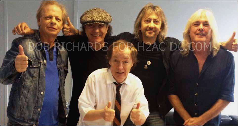 AC/DC com o baterista Bob Richards