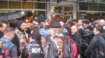 Encontro dos Fãs em Londres - Clipe AC/DC