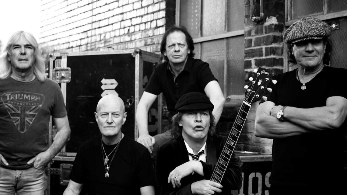AC/DC. Rock The Blues Away.