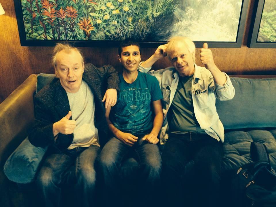 Angus, fã Matthew Nagra e Stevie Young em Vancouver, junho de 2014