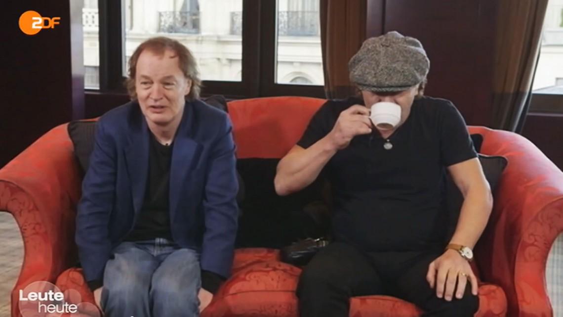Angus Young e Brian Johnson. TV Alemã. 2014.