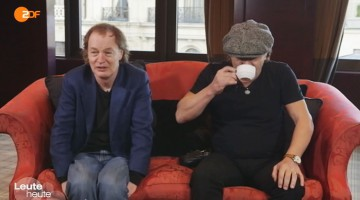 Angus Young e Brian Johnson. TV Alemã. 2014.