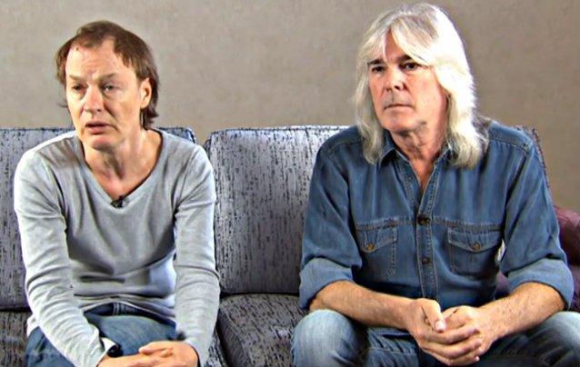 Angus e Cliff em entrevista para o jornal Aftonbladet.