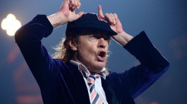 Angus Young. Greensboro, EUA.