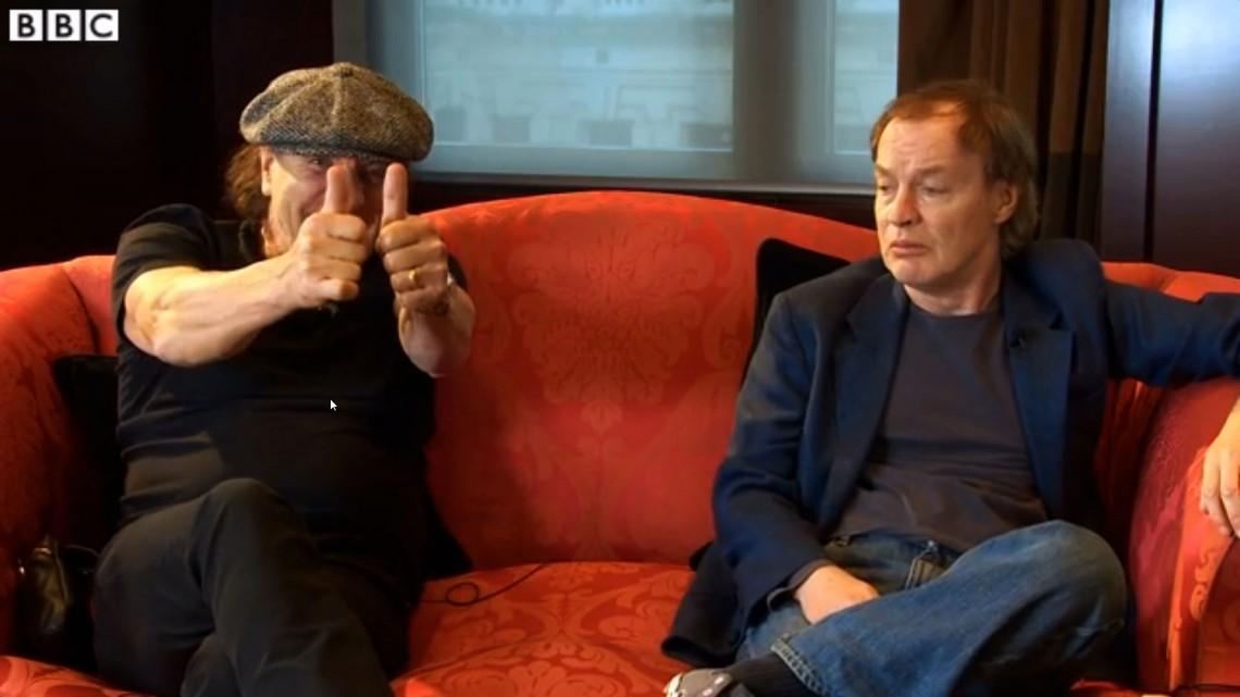 Brian Johnson e Angus Young na BBC. Novembro de 2014.