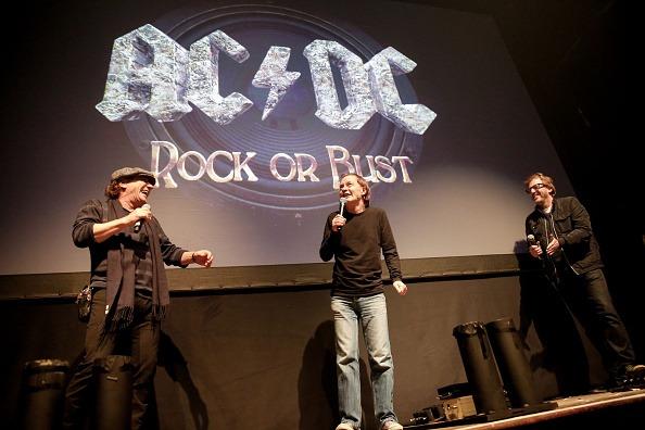 "Brian Johnson, Angus Young e Brendan O'Brien. ""Rock or Bust"". 2014."