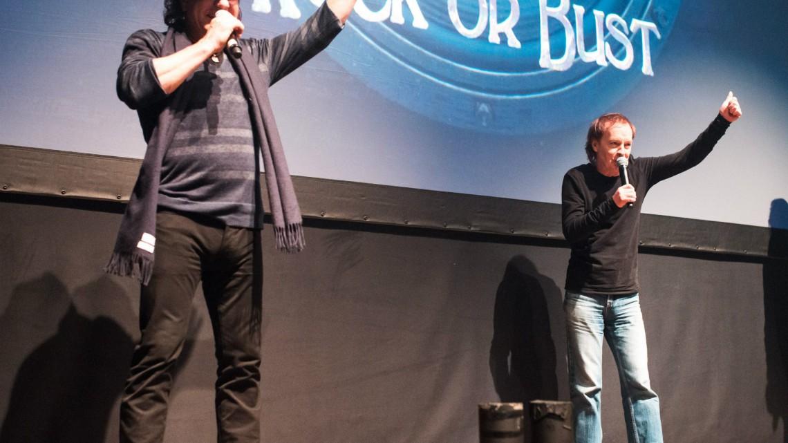 Brian Johnson e Angus Young.