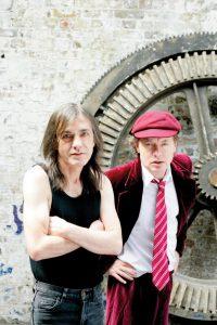Malcolm e Angus Young. 2008.