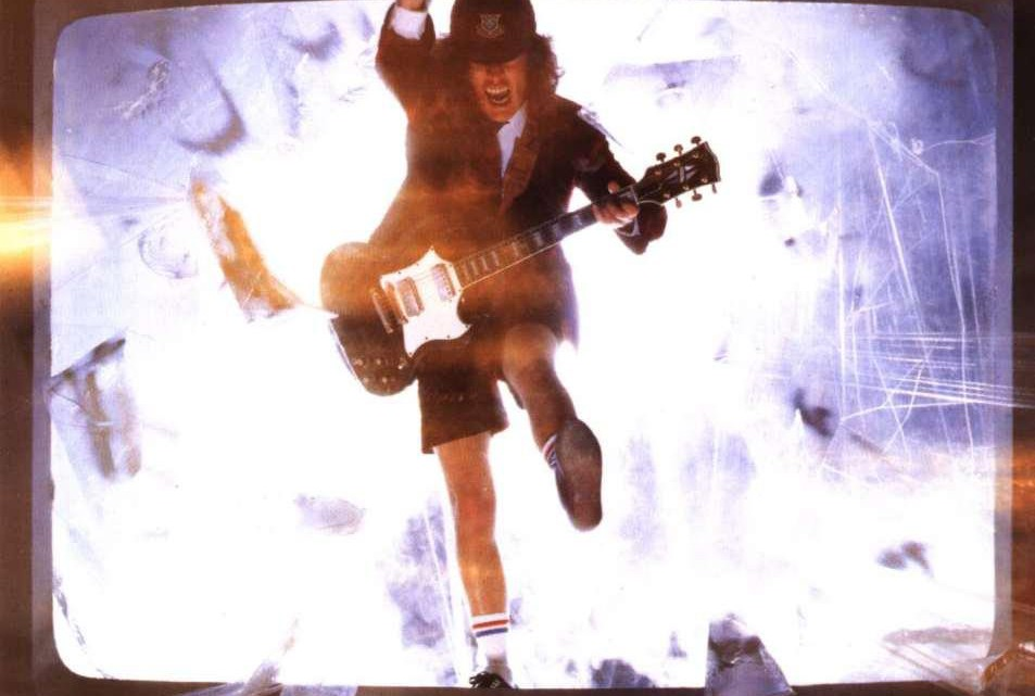 Capa AC/DC. Blow Up Your Video.
