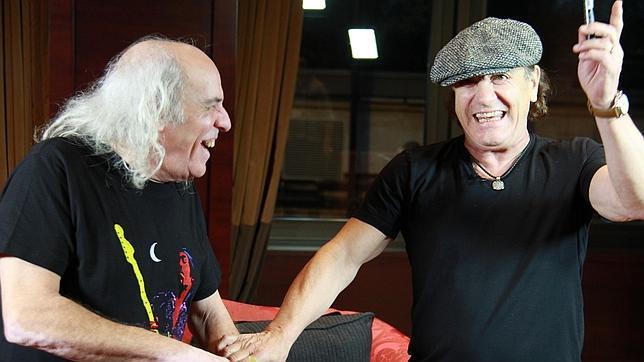 O radialista El Pirata com o AC/DC. Nov. 2014.