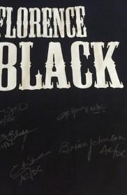 Camiseta Florence Black autografada pelo AC/DC