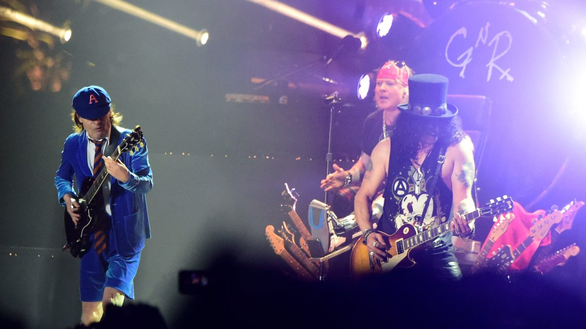 Slash diz que reunião do AC/DC é maravilhosa